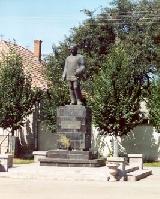 Gábor Áron szobra